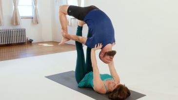 strengthen don't crunch your back in salabhasana