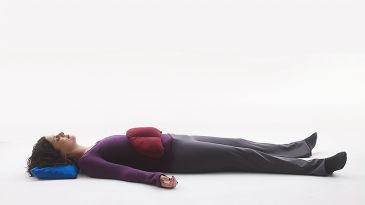 trouble relaxing in savasana here's a simple practice