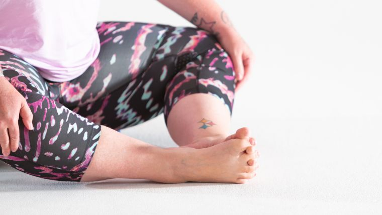 stretches-for-toes-in-yin-yoga-sequence