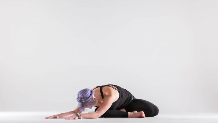 a-gentle-yoga-sequence-for-relieving-neck-and-shoulder-tension