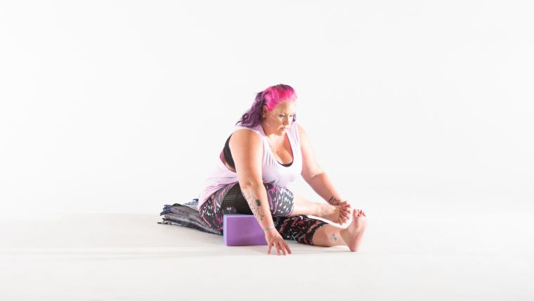 a-variation-of-shoelace-pose-in-yin-yoga-sequence-for-feet