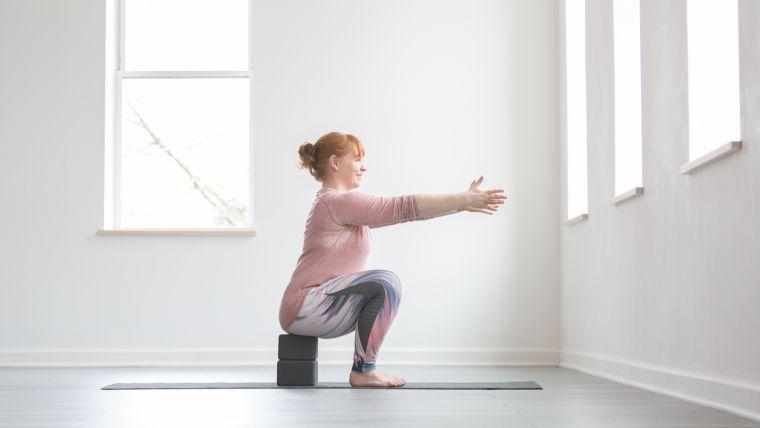 yoga-squat-variation