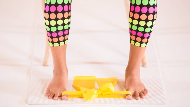 yoga-stretching-band-exercise-for-bunions