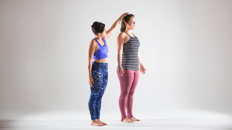partner-yoga-with-sandbags